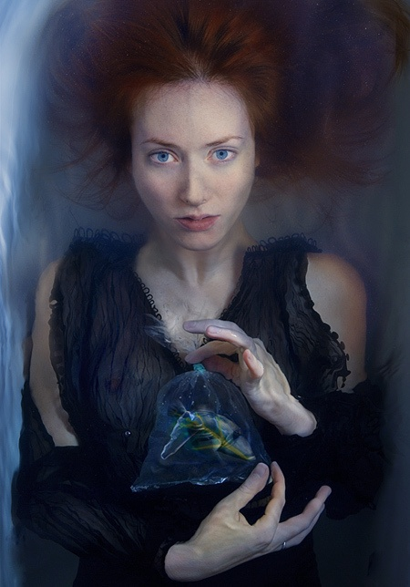 """Mermaid. Sacrifice"" z cyklu ""Not a Man's World"" (2006) © Katerina Belkina"