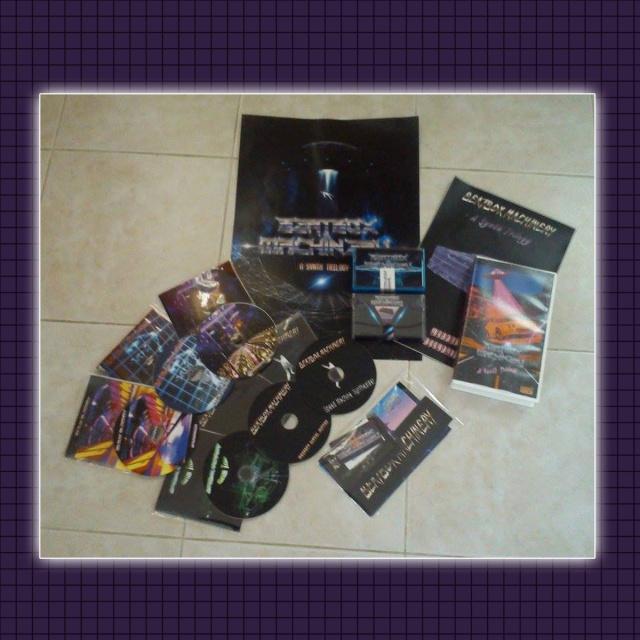 "Beatbox Machinery - A Synth Trilogy (VHS edition) - zawartość ""boxu"""