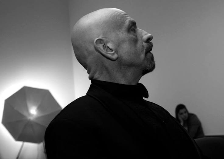 """""""Dźwięk mosiężnych instrumentów (próba orkiestry poza kadrem) ma w sobie coś z mosiężnych rzeźb, które można oglądać z zamkniętymi oczami""""... (Greg von Seduce podczas wernisażu wystawy """"Piękno czai się w mroku"""" - MGOK Lidzbark"""