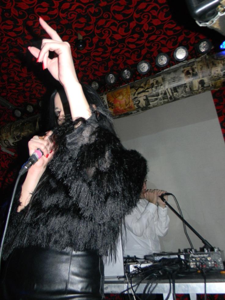 YusYus (Aleksandra) - koncert w klubie Alter Ego (fot. Blackheim / źrodło: materiały autora)